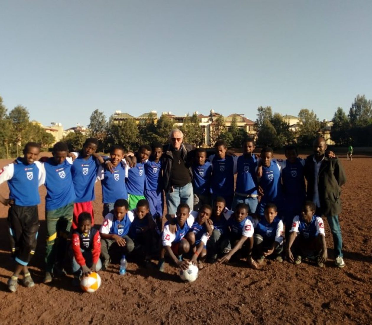 Nuovo materiale sportivo della Macallesi in Etiopia!